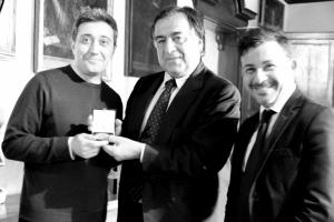 Medallion of Palermo (Di Vittorio with Mayor Orlando and Francesco Panasci)